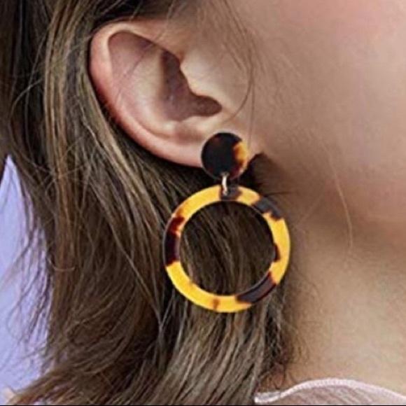 Jewelry - Tortoise Resin Earrings